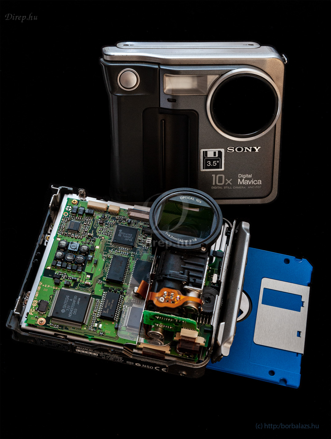 A Sony Mavica FD7 belseje és burkolata
